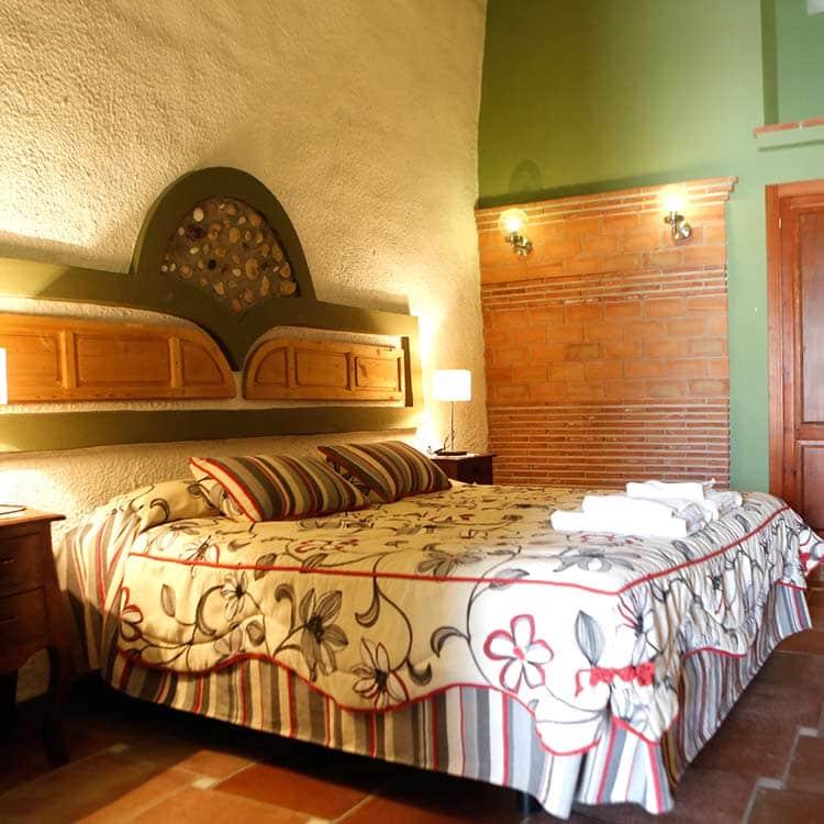 dormitorio-6-cuevas-la-granja