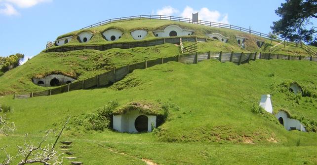 Cuevas de cine 10 pel culas trogloditas cuevas la granja - La casa de los hobbits ...