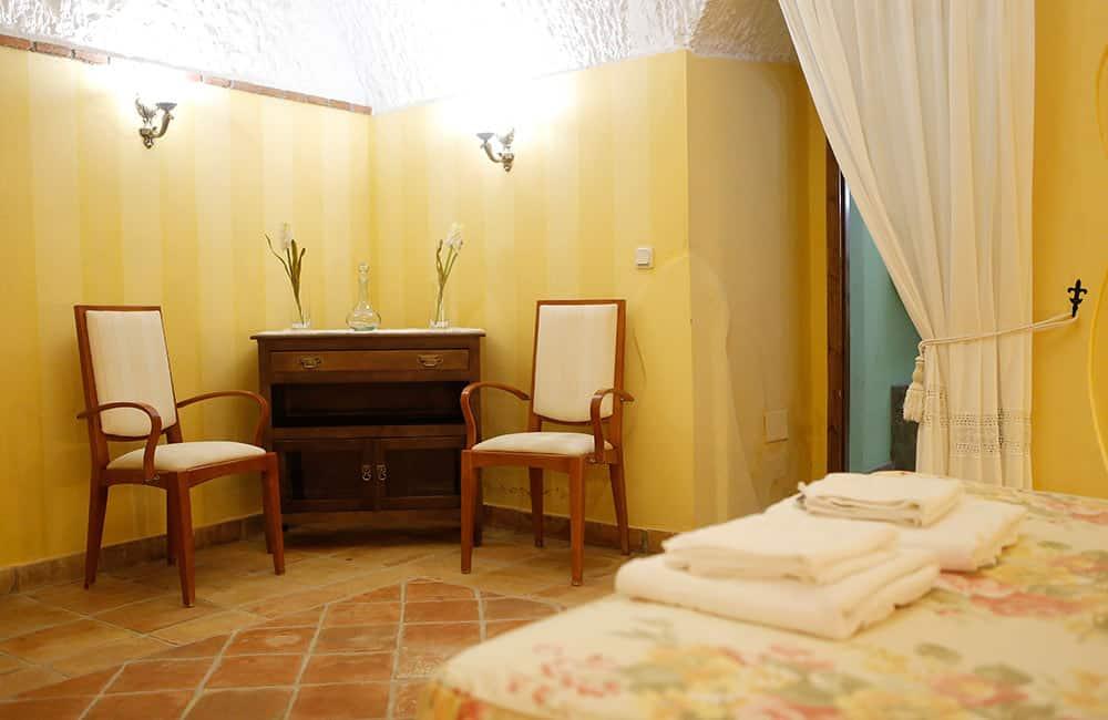 suite-almaraes-detalle-dormitorio